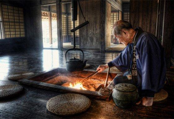 Irori, tradizionale focolare giapponese